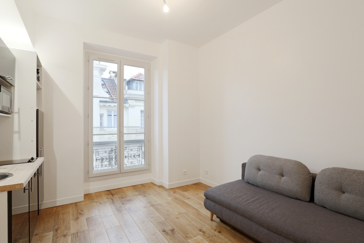 Charming flat, Carré d'Or