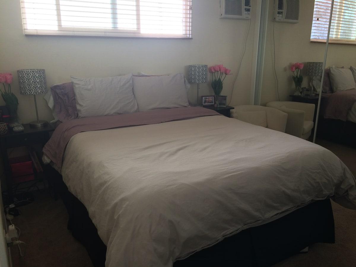 One bedroom, fully furnished apt