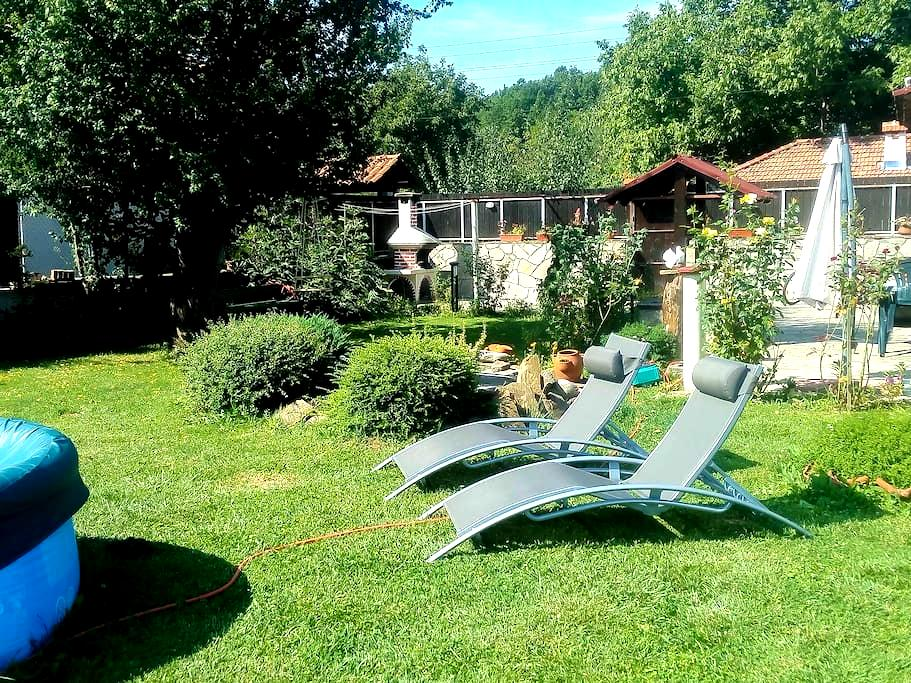 Three bedroom house with garden - Natsovtsi - Villa