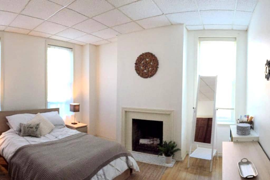 Downtown Apartment, Walk to Amherst College, UMASS - Amherst - Διαμέρισμα