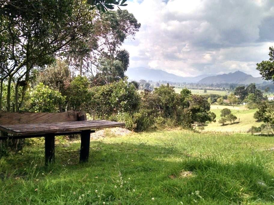 LINDA HABITACIÓN EN CASA DE CAMPO - Tenjo - Nature lodge