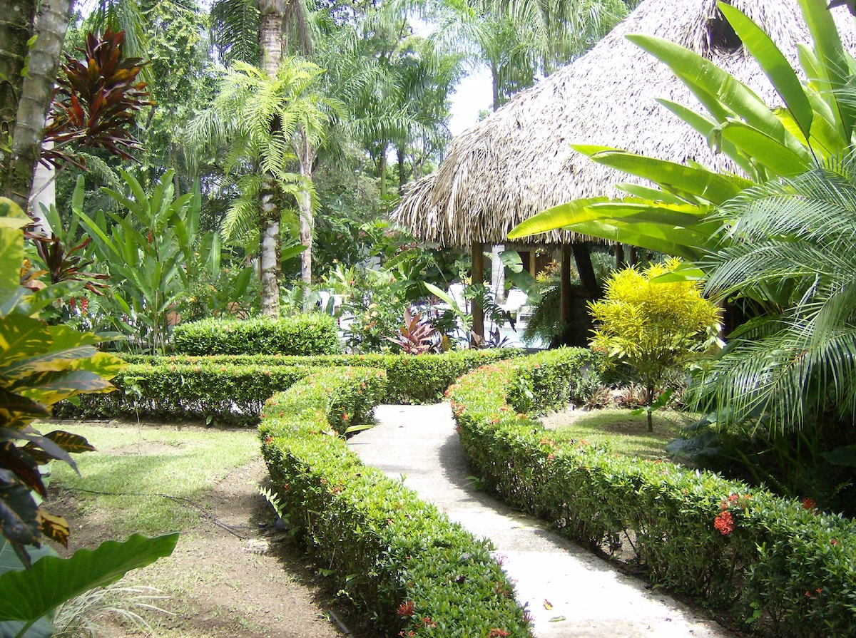 LA PALAPA - VILLA IN THE RAINFOREST