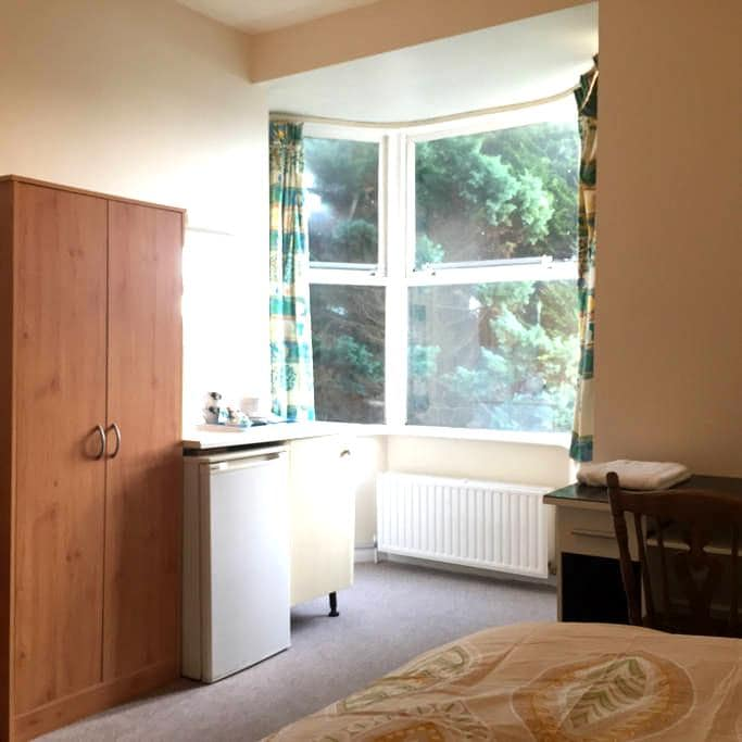 Private rooms close to town center - Barnstaple - Dom