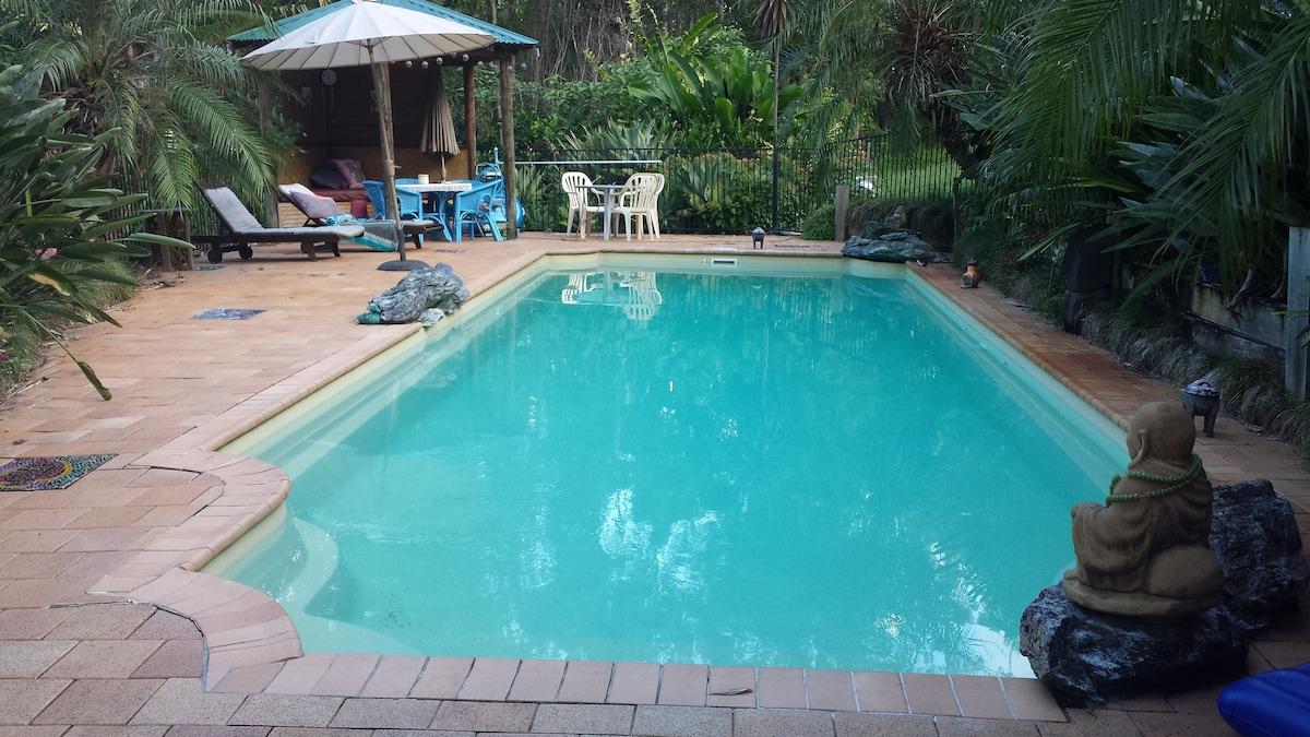 12 Metre magnesium pool
