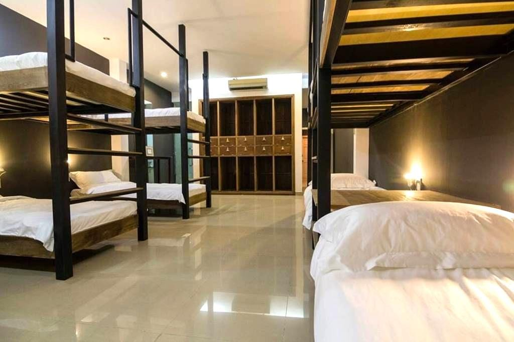 Luxury Bed in Social Club #1 - Ho Chi Minh City - House