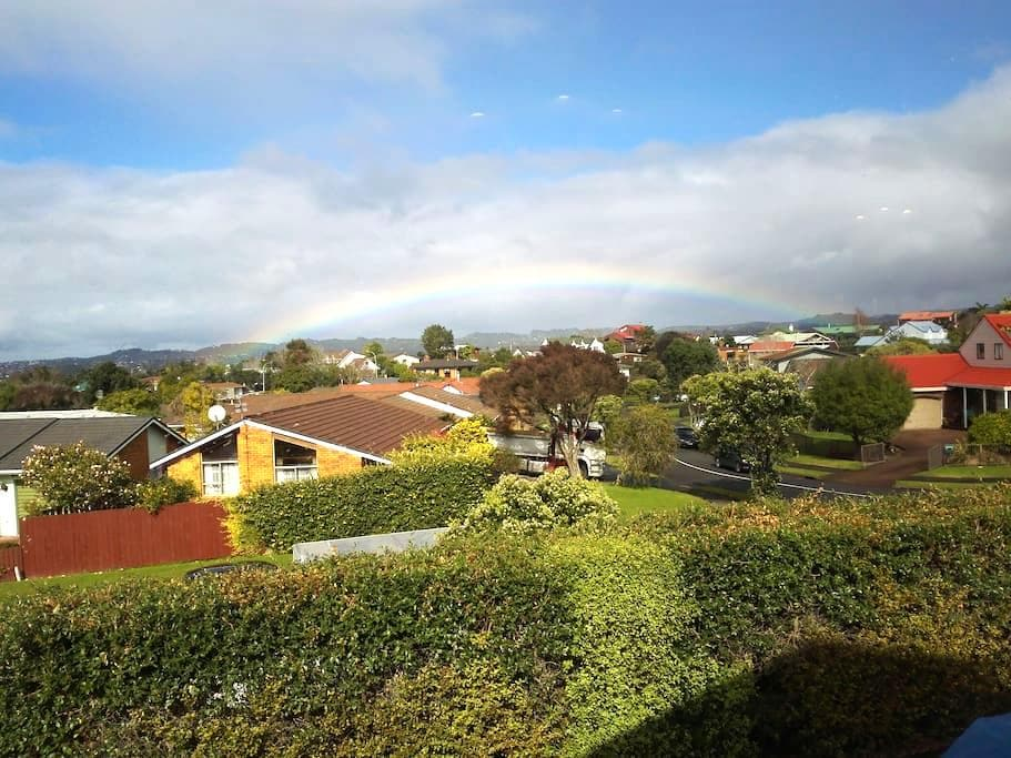 Family-Friendly a spacious room with ensuite - Auckland - Villa