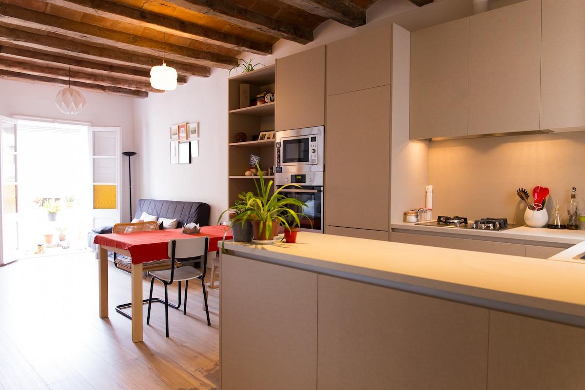 Modern flat in trendy Barcelona
