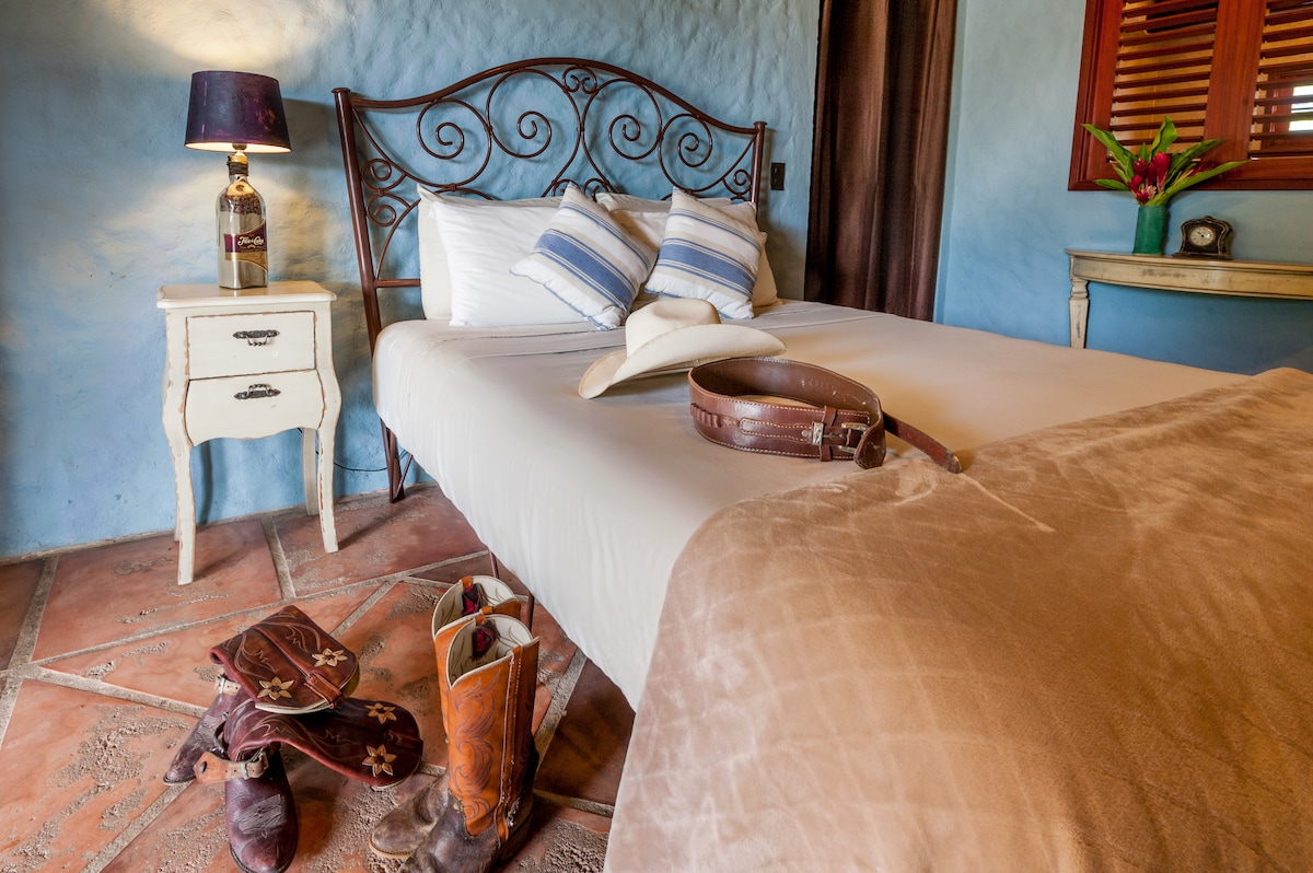 Kick off our boots and relax in El Sueno