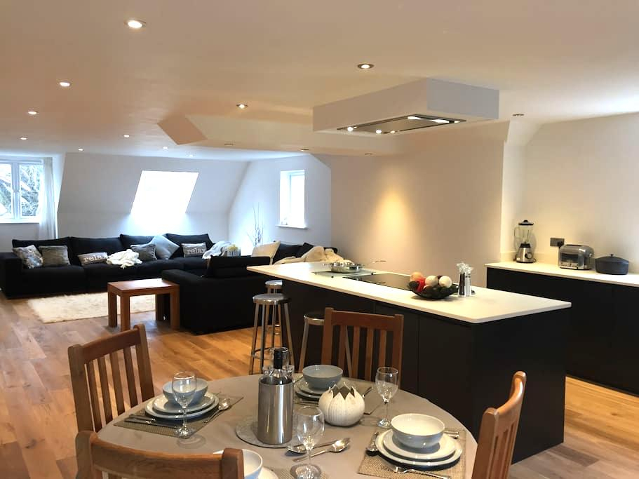 Luxurious City apartment - easy walk/bus to centre - Canterbury - Appartement