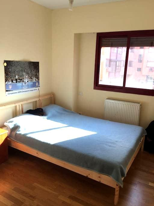 Habitacion acogedora  / Beautiful room - Madrid - Huoneisto