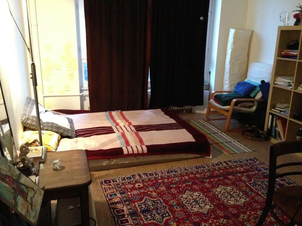 Möbiliertes Zimmer amMariannenplatz