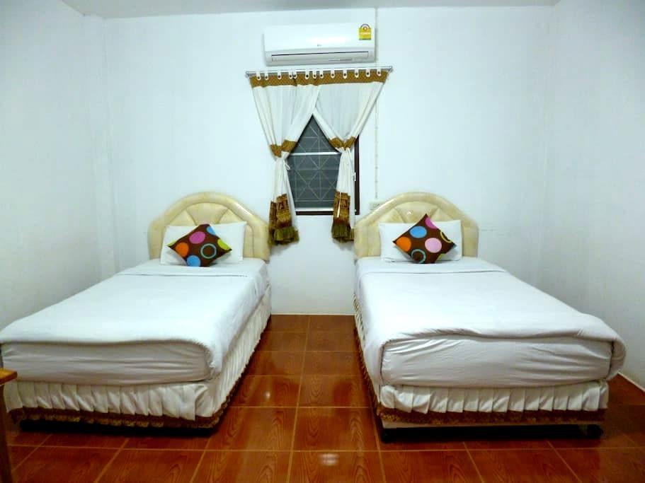 Ban Rinkam Guesthouse - Mueang Chiang Rai - Bangalô