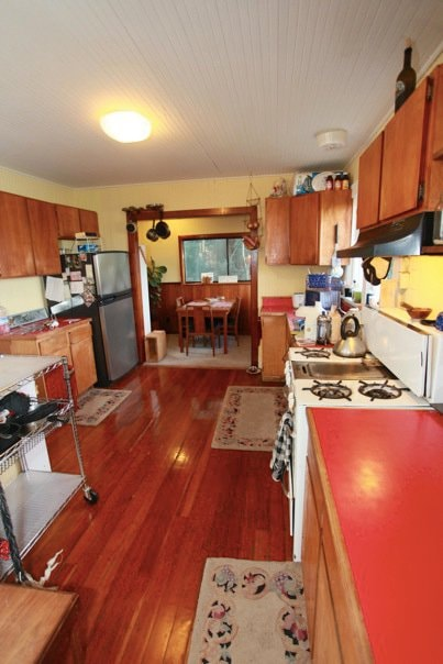 Kitchen and dining room. No TV here, conversation preferred. Sketchy Cell phone service. Plenty of wifi throughout. Retreat and enjoy!