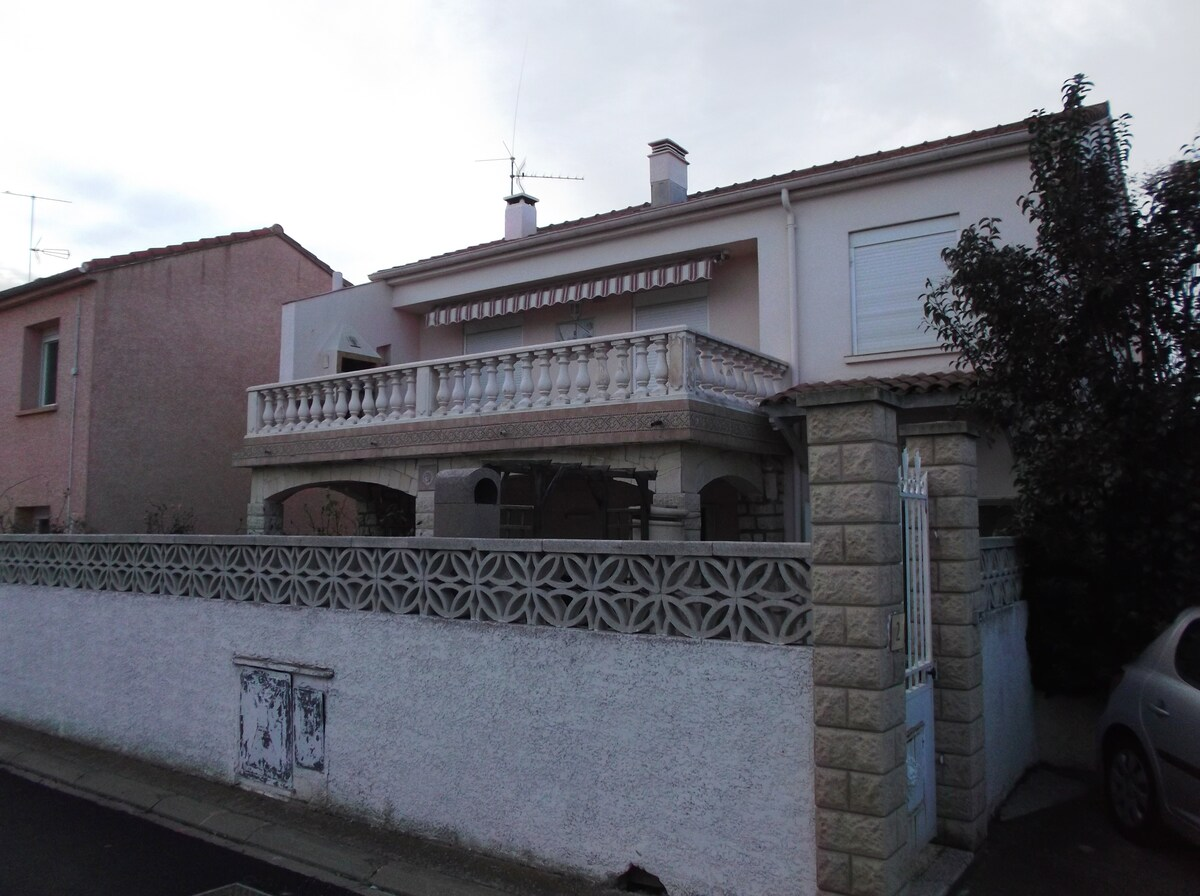 Grand appartement dans villa