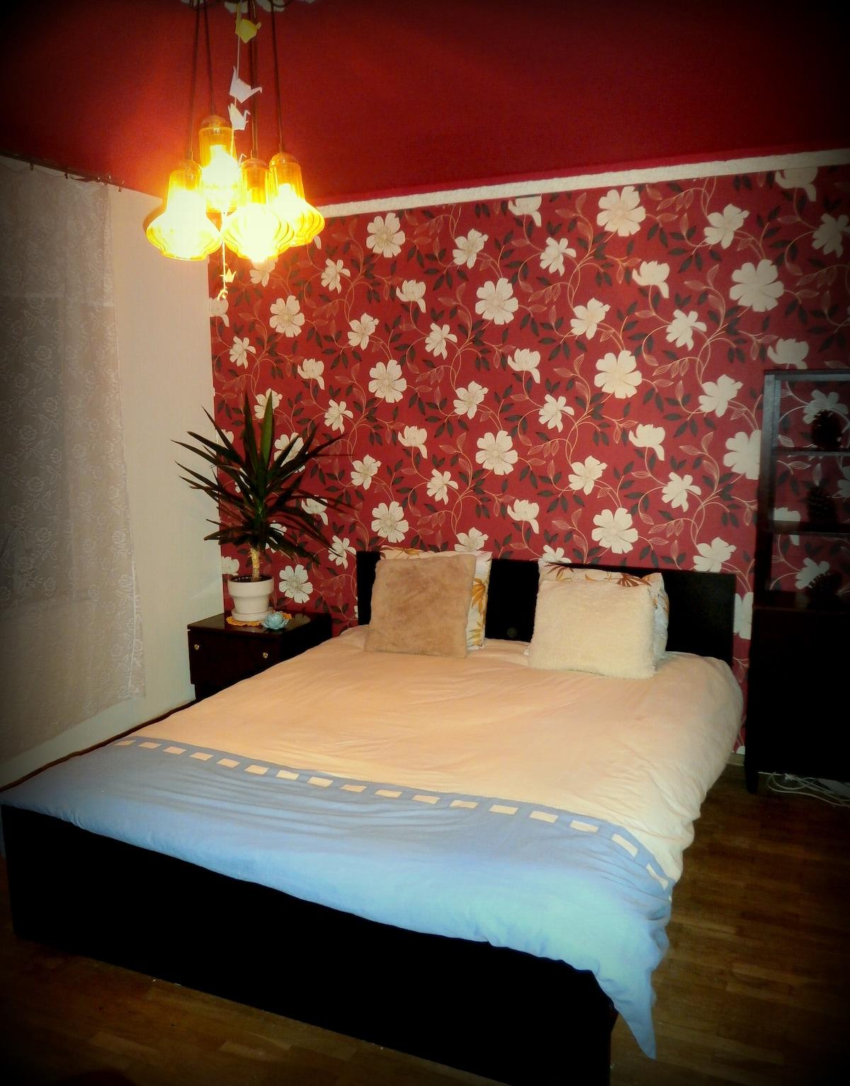 Warm+nice room/Good Location