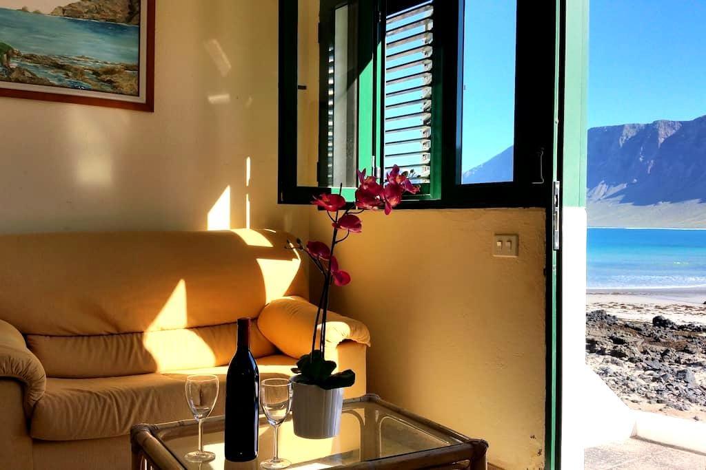 Casa en primera linea de playa - Caleta de Famara - Haus