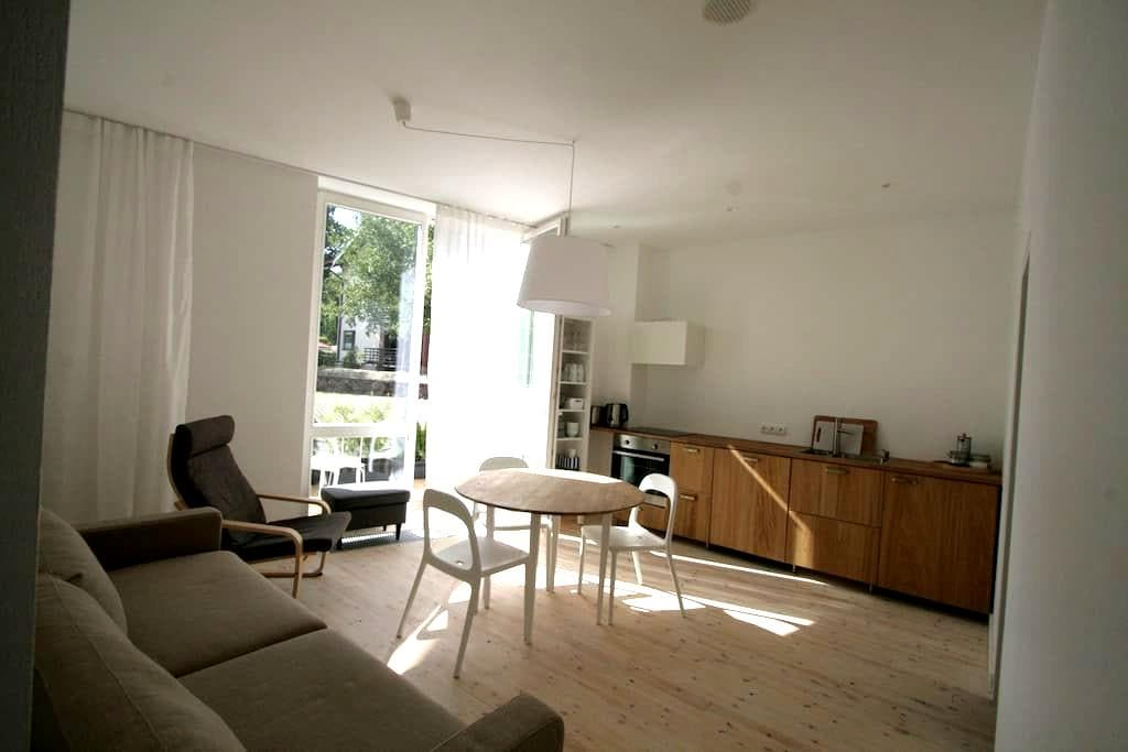 Bright and cosy 2BD with terrace - Juodkrantė - Daire