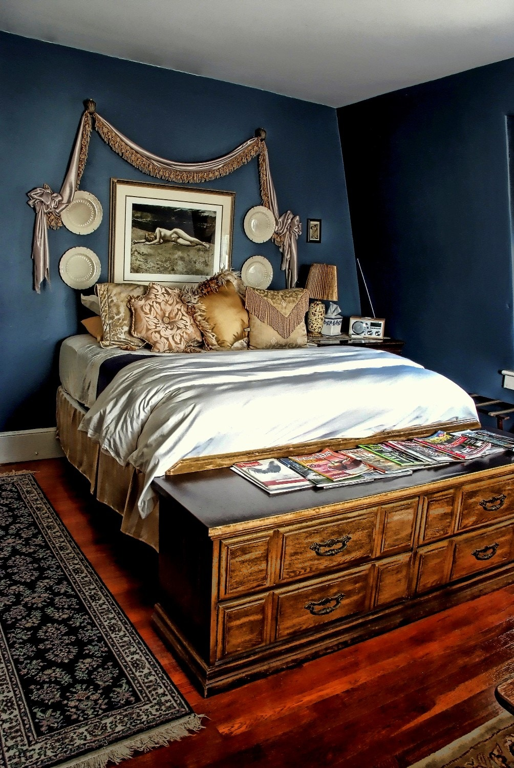 Freud Suite offers a plush, yet firm King bedding