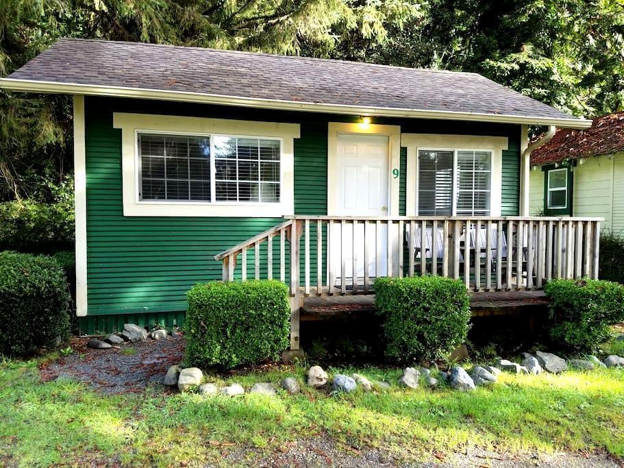 Woodland Villa Cabin 9 - Klamath