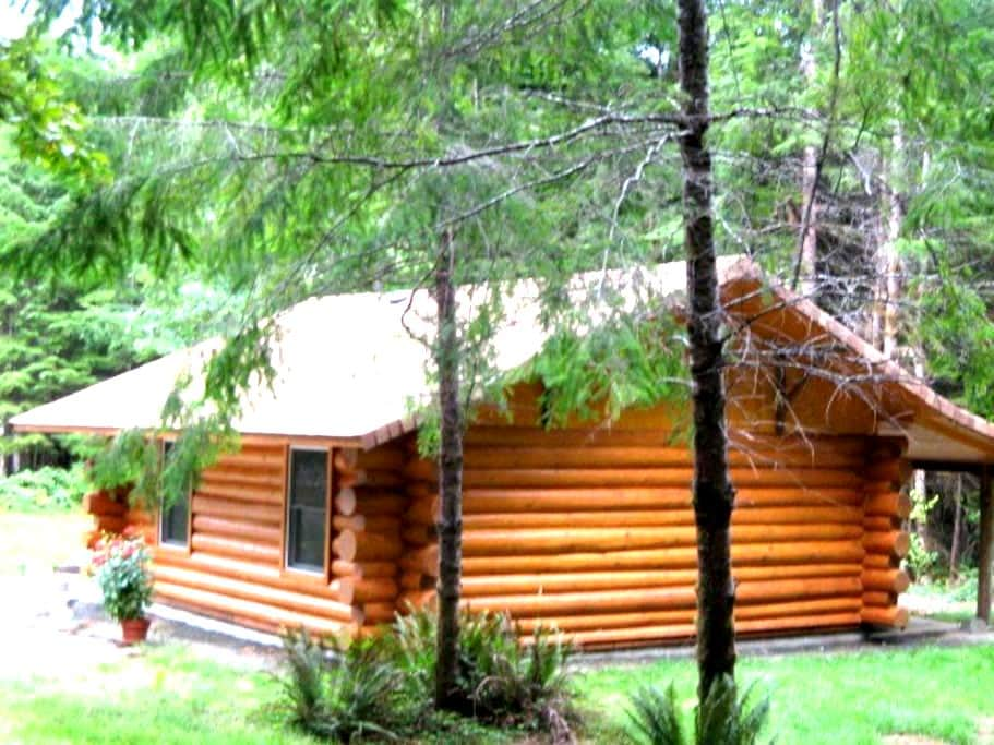 Cedar Creek Cabin - Forks - Houten huisje