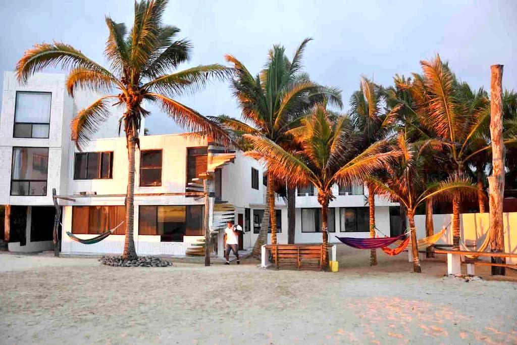 Matrimonial al mar.Arena blanca, mar azul.Silencio - Puerto Villamil - Guesthouse