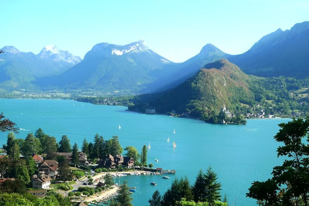 Chalet with splendid view on lake - Talloires, Annecy - スイス式シャレー