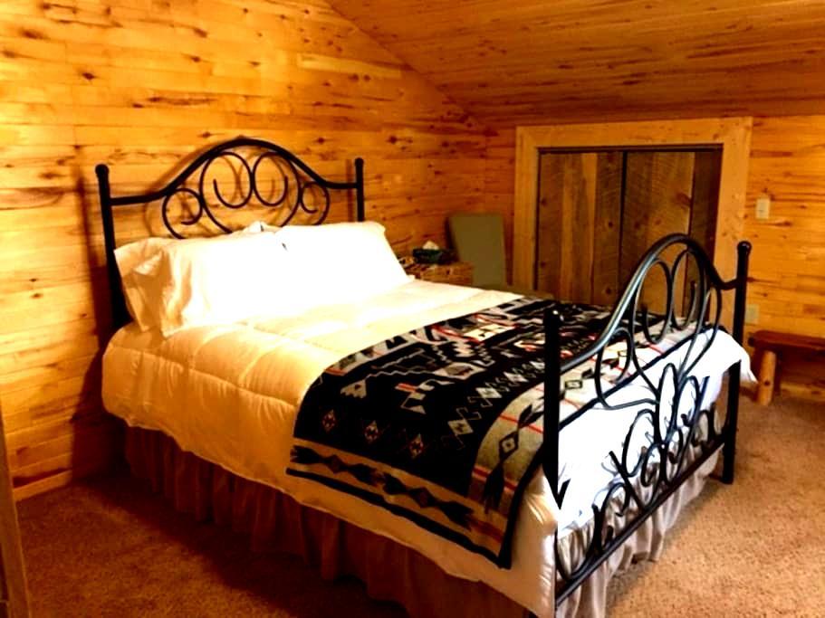 Mountain Farm Guesthouse - Mancos - Hus