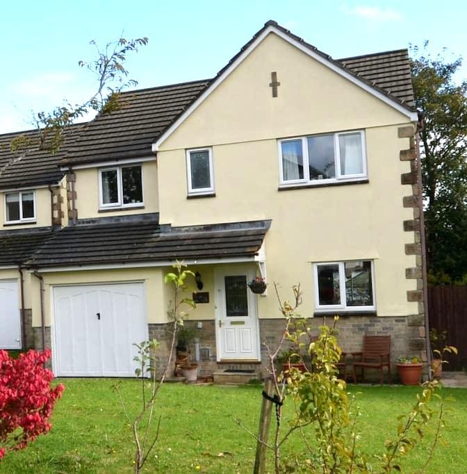 Central Tavistock Family Home - Tavistock - Huis