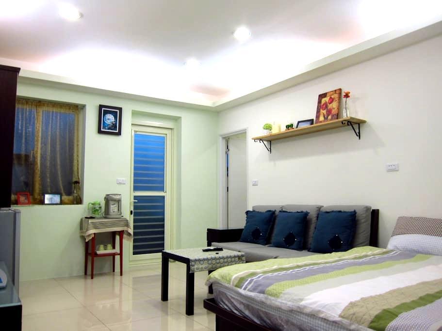 2 Cozy Suite Room 鄰近捷運、機場巴士站(1962)、高鐵、火車 - Banqiao District - Apartamento