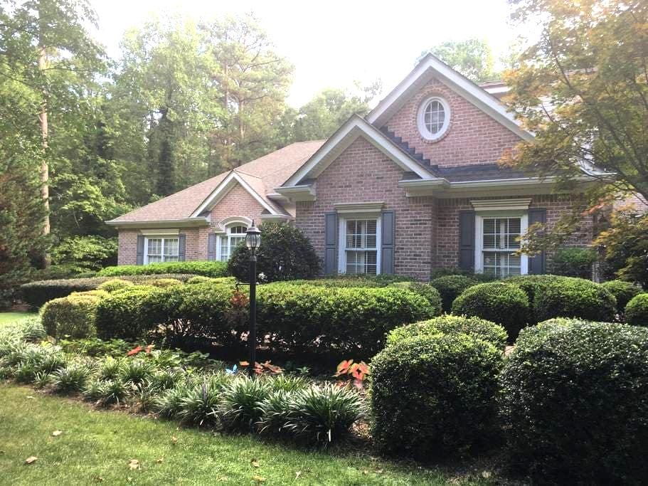Lovely  1 Bedroom Apt in Executive Buford Home - Buford - Lejlighed