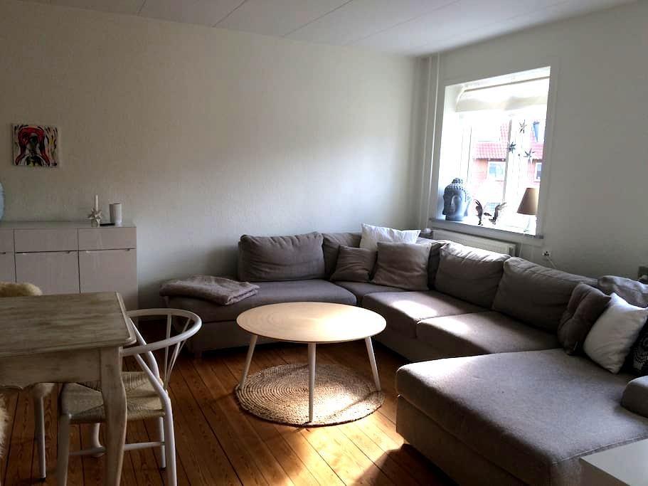 Lækker central lejlighed i Aarhus - Viby - Apartamento