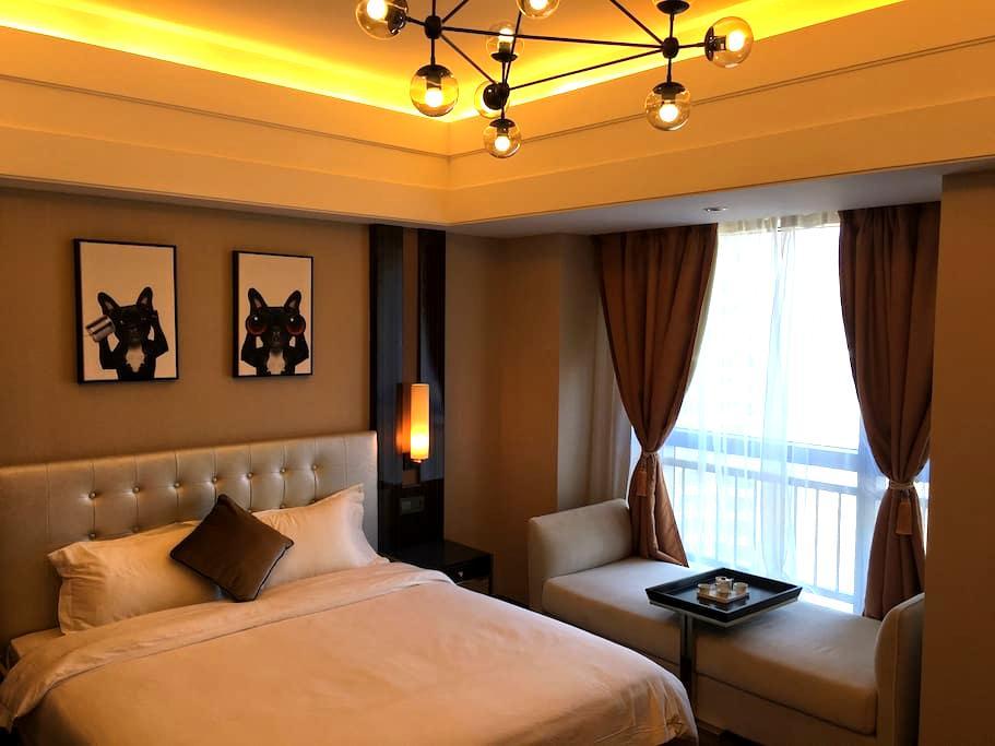 湘江边 正地铁口 坡子街美食街  高档公寓 五一广场核心商圈 - Changsha - Appartamento con trattamento alberghiero