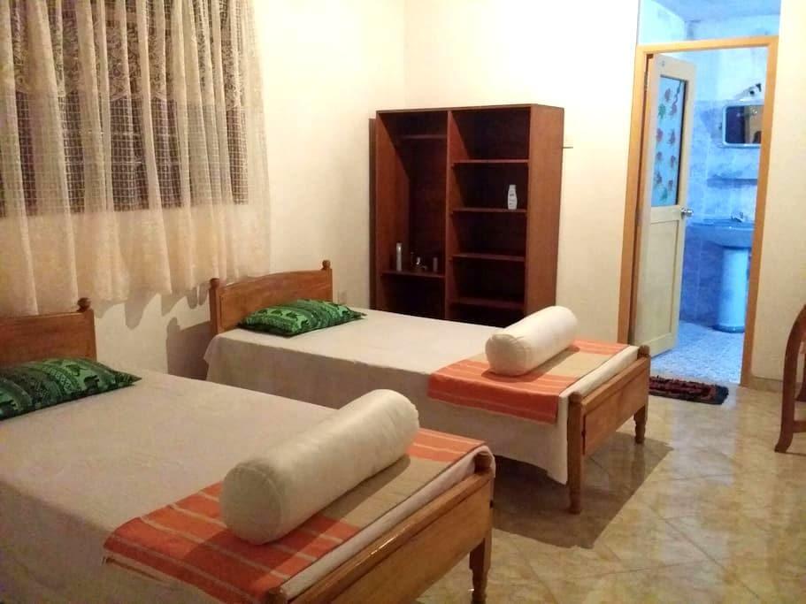Pathum guest's private room no 2 - Hikkaduwa - Rumah