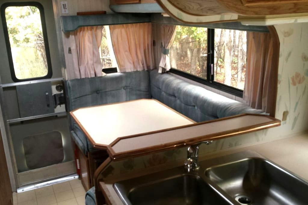 Rustic Mt. Ranch Cabover RV # 2 - Glendale