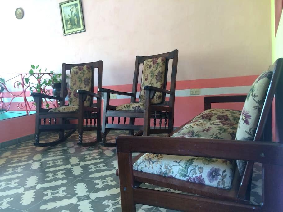Hostal Casa Rojas - Trinidad - Apartment