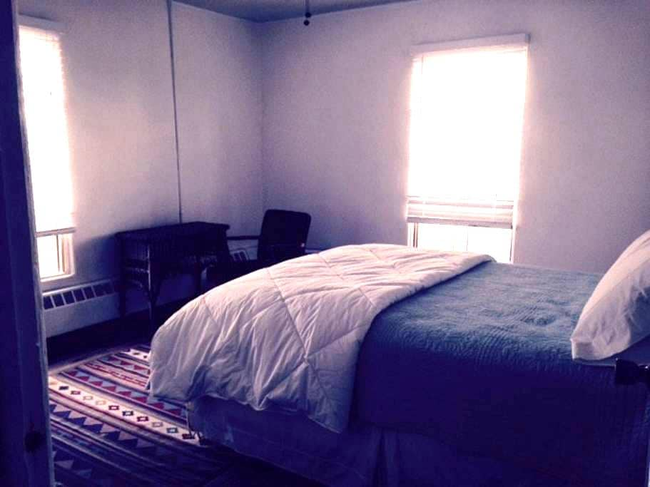 Parish Hall Room 5 Monthly Rental - Fort Defiance - Appartement