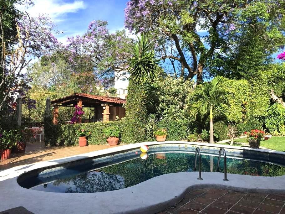 Pool (not heated), garden, grill and racket-ball - Cuernavaca - House