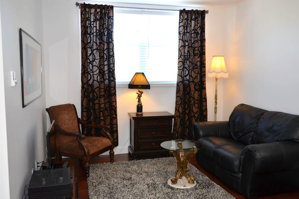 The Marbella Apartment Hotel  #202 CUTE & COZY - Penticton - Appartement