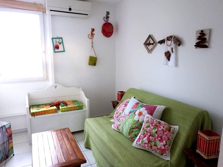 chambre résidence calme piscine - Saint-Claude - Byt