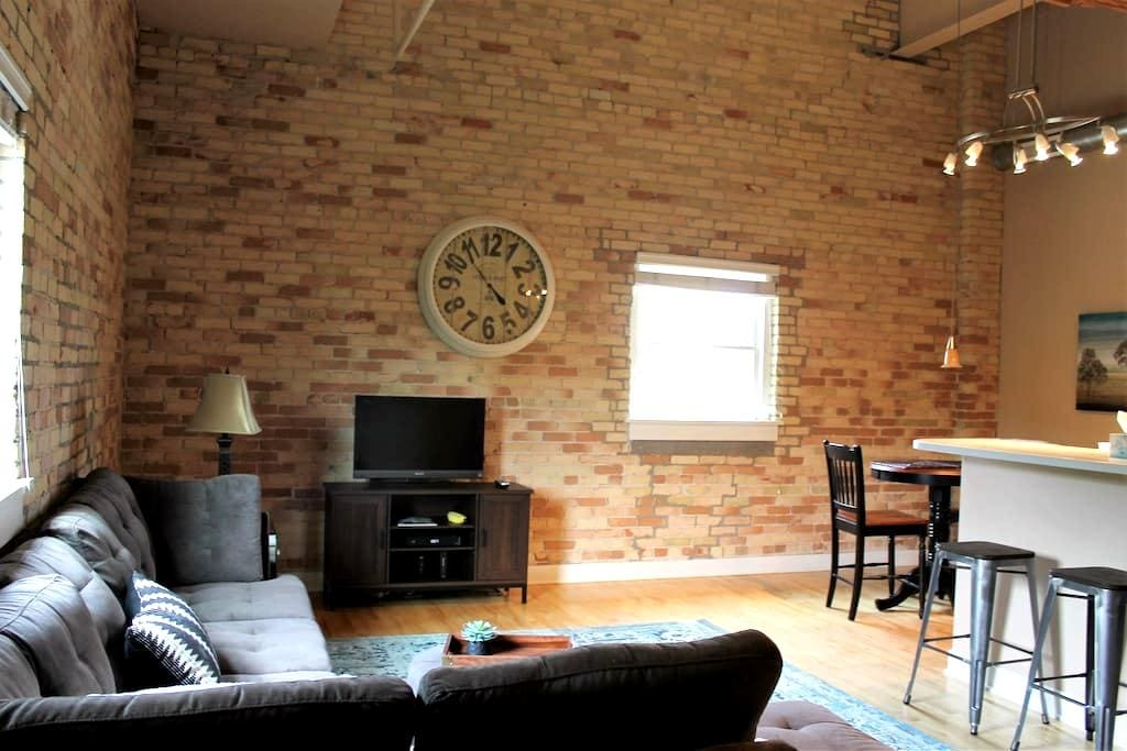 Downtown Luxury Loft Style 2BR/2Bath Condo - Grand Haven - Condominium