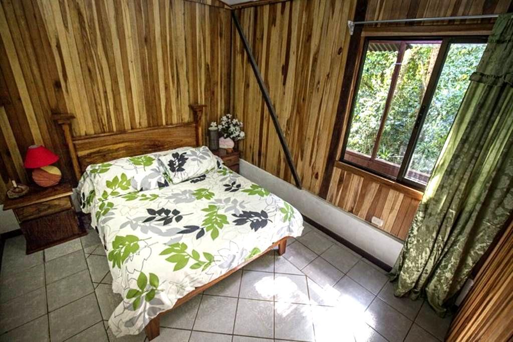 Casa Balbi By-the-stream casita - Monteverde - Talo
