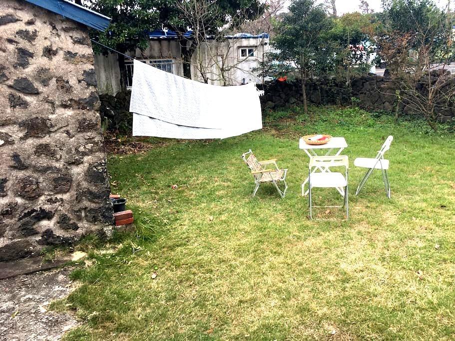 잔디 정원이있는 수산리 농가주택입니다 :-) 반려견 대환영이에요 - 서귀포시
