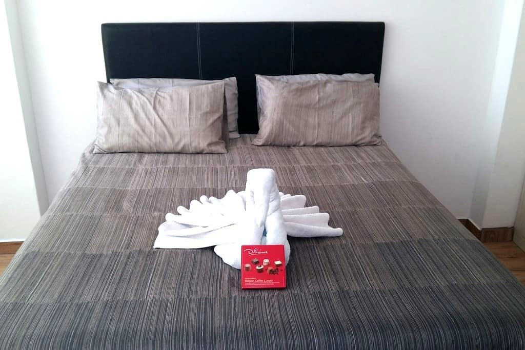 Crestmore Holiday Beach Apartment - Durban - Apartment