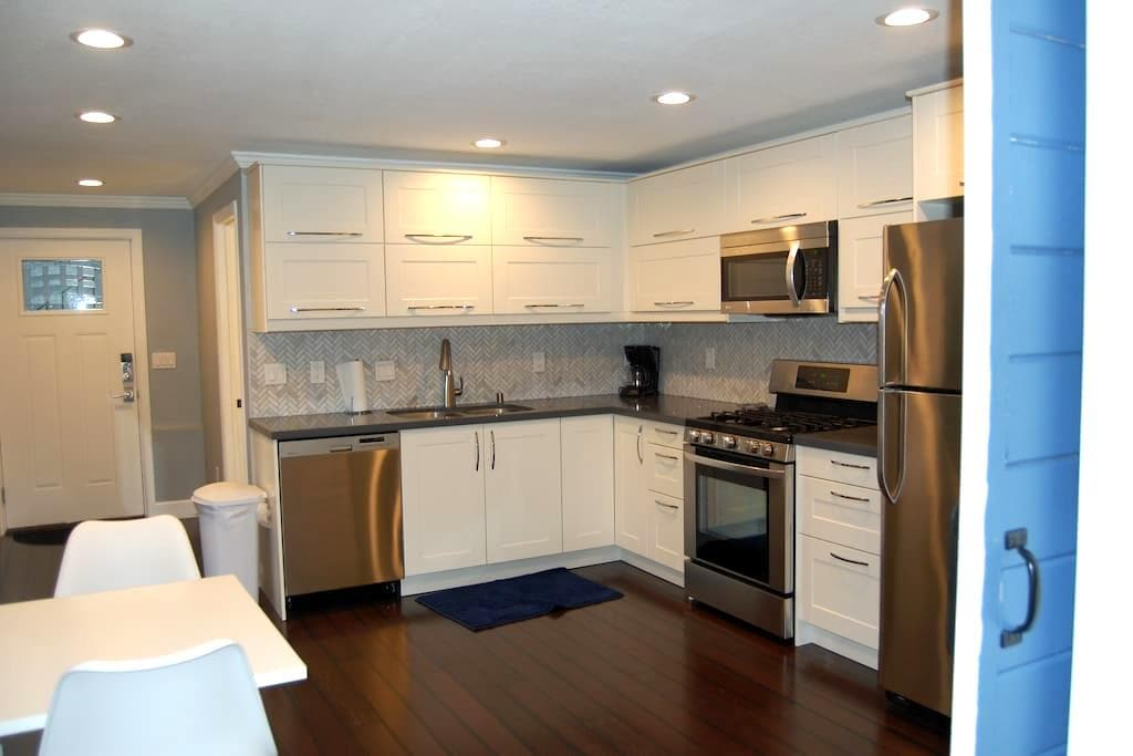 Quiet and Comfortable 1 bedroom apt - Oakland - Apartment