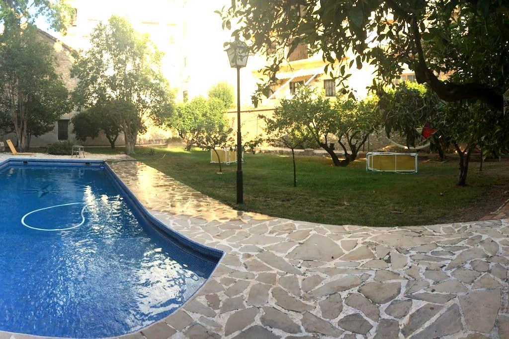 Castillo con piscina en Liria - Llíria