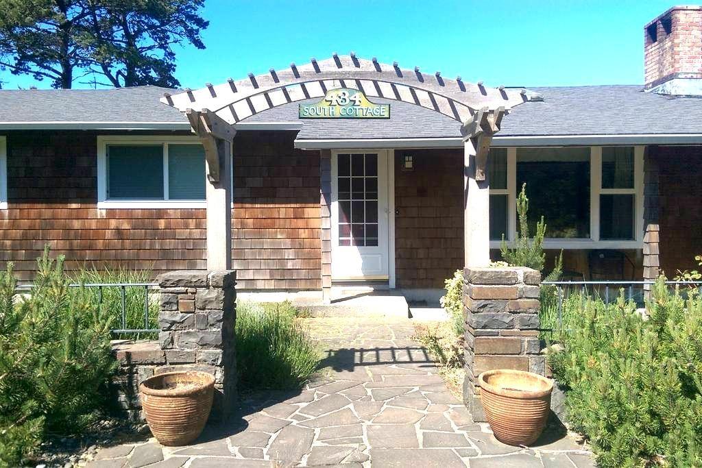 Family Friendly Gearhart Retreat - Gearhart - Huis