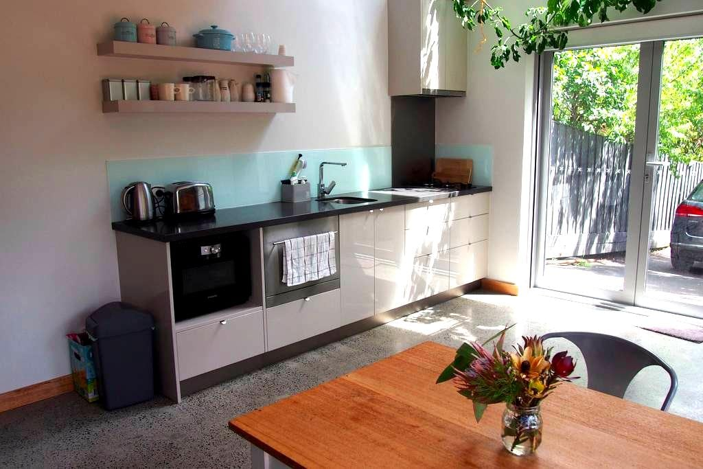 Sunny studio in central Hobart - Battery Point - Apartamento