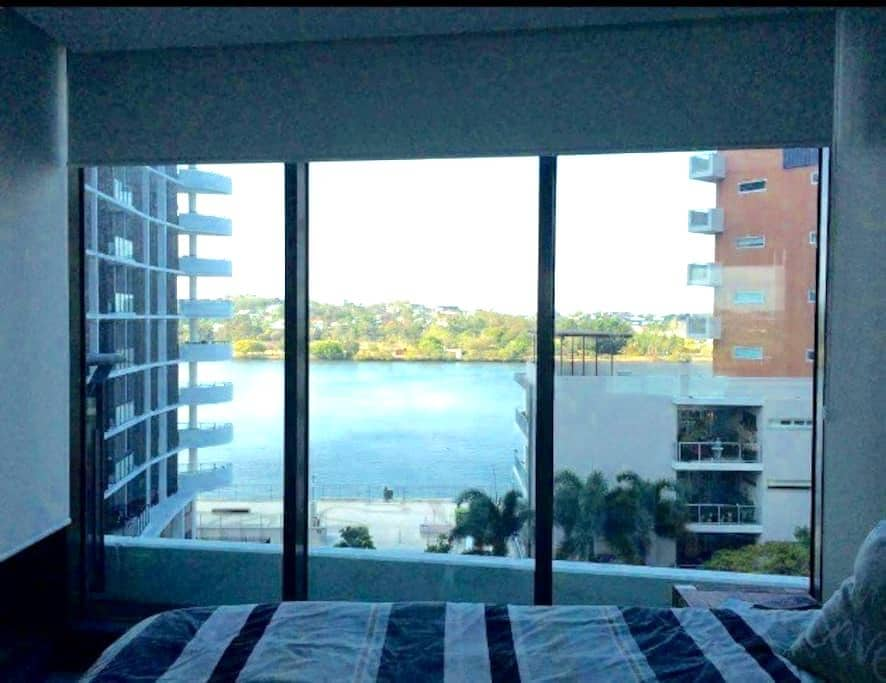 Room with a view at Portside - Hamilton