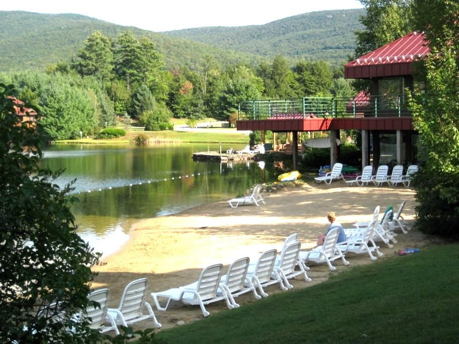 Condo in the White Mountains - Woodstock - Appartement en résidence