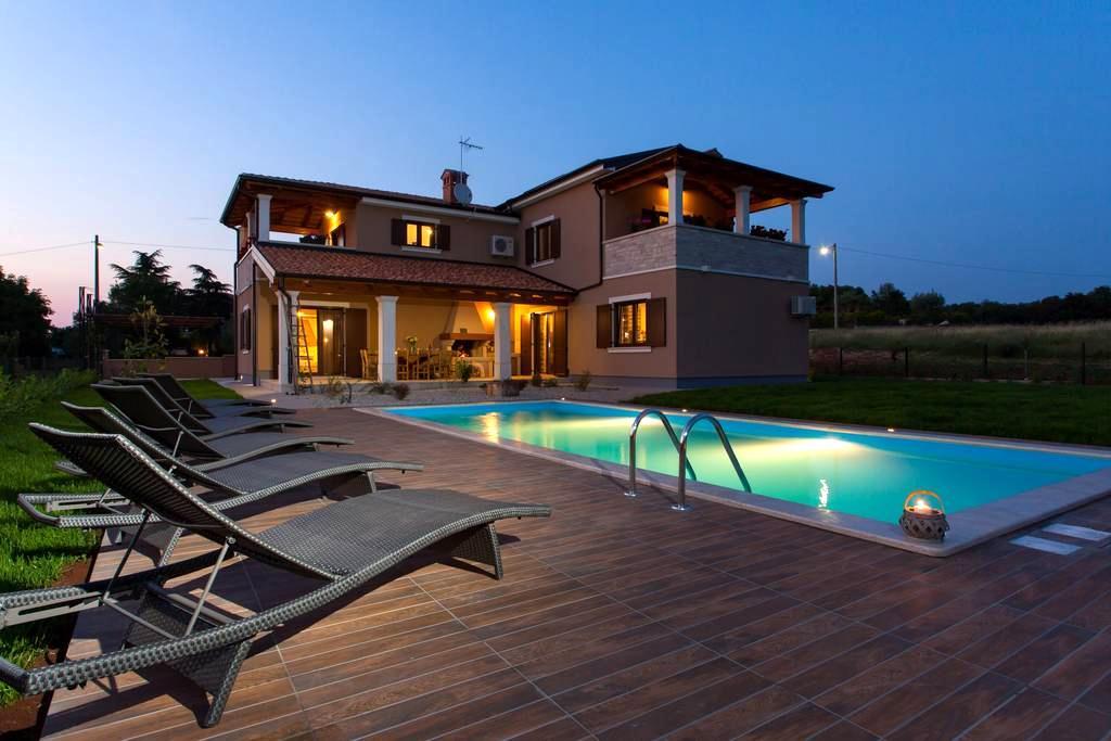 Villa Roza, villa for your holiday - Bašići